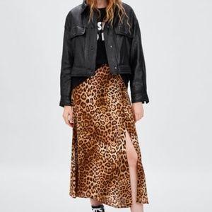 Zara Animal print skirt with slit